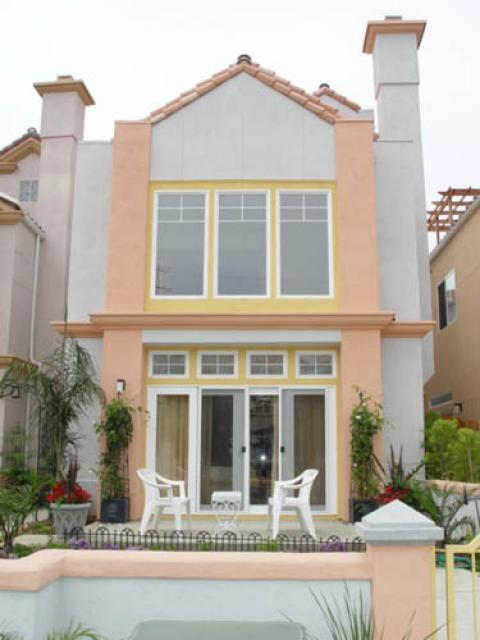 Oceanside Beach House Is Steps To The Sand - Vacation Rental in Oceanside