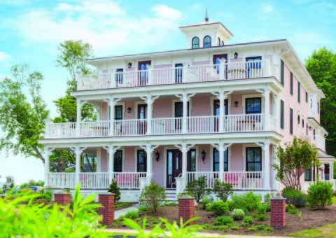 Three Stories Guest House  - Bed and Breakfast in Old Saybrook