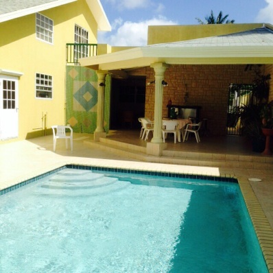 Local Aruban House 2 Beds/1 Bath - Vacation Rental in Oranjestad