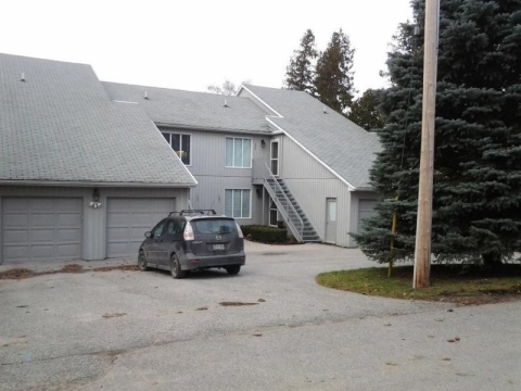 WATERFRONT 3 Bedroom Condo on Pumpkin Bay - Vacation Rental in Orillia