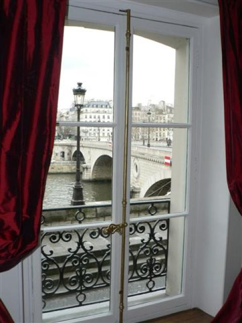 SEINE RIVER VIEW  St Louis Island Quai de Bourbon - Vacation Rental in Paris