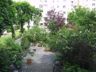 Paris France Cheerful 1 BR apt with Garden Views - Vacation Rental in Paris