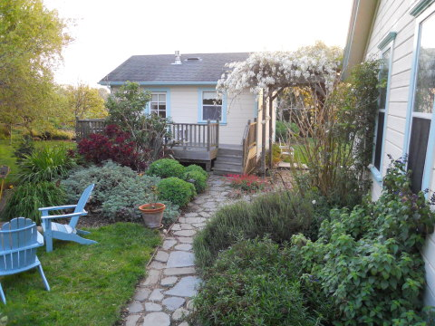 Romantic century-old farmhouse - Bed and Breakfast in Pescadero