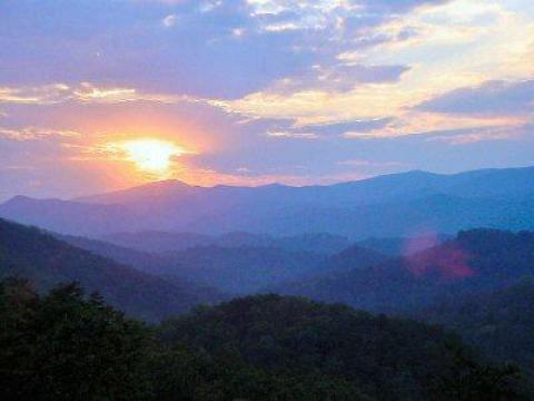 Black Bear Ridge Resort Cabin Rentals LLC - Vacation Rental in Pigeon Forge