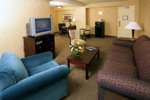 Doubletree Hotel & Suites Pittsburgh City Cent