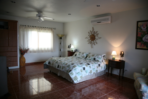 Master suite with terrace and Jacuzzi - Playa del Carmen Vacation Villas