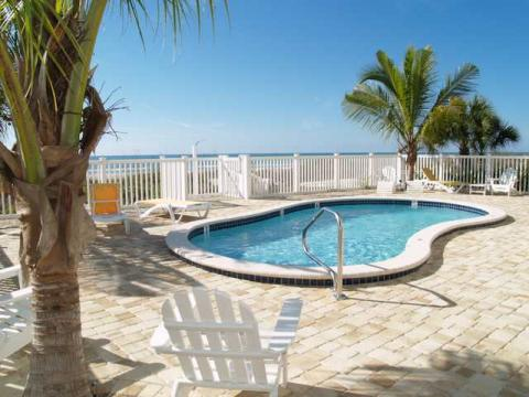 Pool/Sundeck - Reddington Vacation Condos