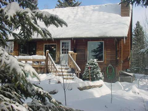 Creek Cottage - Vacation Rental in Rocky Mountain House