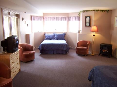 The Inn at the Ninth Hole, British Columbia > Salm - Bed and Breakfast in Salmon Arm