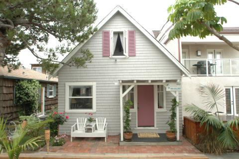 Mission Beach Adorable Cottage - Vacation Rental in San Diego