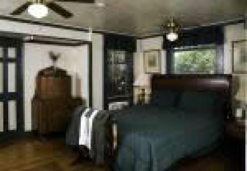 Rooms, Cherokee Lodge in San Diego, California