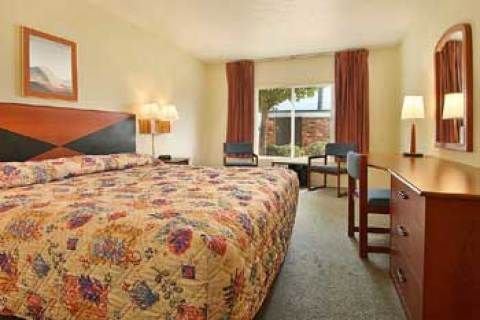 Sandusky-Days Inn Cedar Point/Mall Central