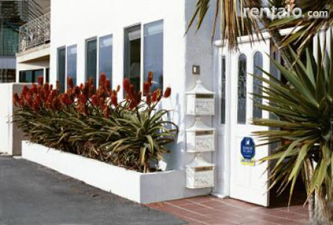 ROMANTIC BEACHFRONT COTTAGE - Vacation Rental in Santa Monica