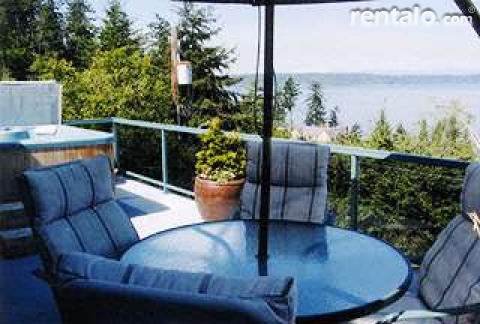 An Olympic View B&B Cottage - Bed and Breakfast in Seattle
