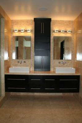 Master Bathroom 1 - Sherman Oaks Vacation Homes