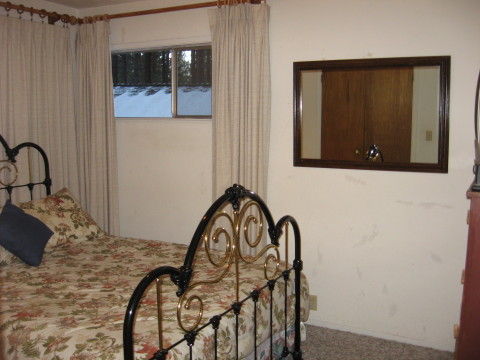 Second Bedroom w/Forest view and New carpets & CTV & VCR & movie/cartoon library
