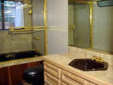 Property #2: Bath2 (downstairs) - South Lake Tahoe Vacation Homes