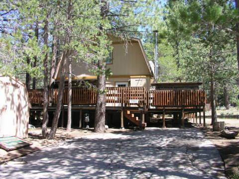 Doug's South Lake Tahoe Cabin with WiFi and HDTV! - Vacation Rental in South Lake Tahoe