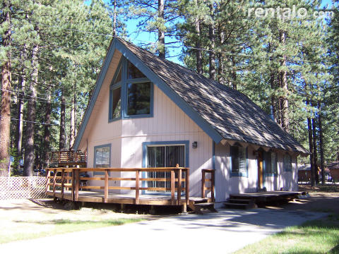 Spacious Andersonmoose Cabin Near Lake in SL Tahoe - Vacation Rental in South Lake Tahoe