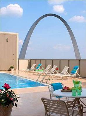 Crowne Plaza Riverfront at the Arch