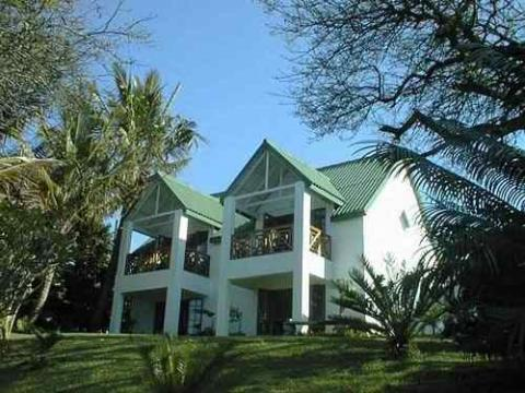 Seasands Lodge & Conference Centre - Bed and Breakfast in St Lucia