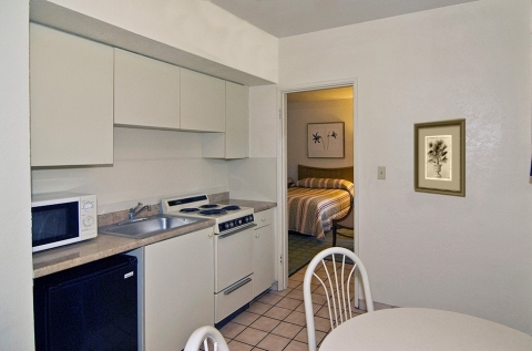 Kitchenette Guest Room