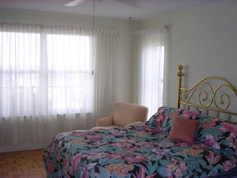 master bedroom - St Petersburg Vacation Rental