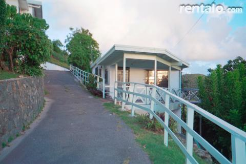 The Cottage on Raphune Hill - Vacation Rental in St Thomas