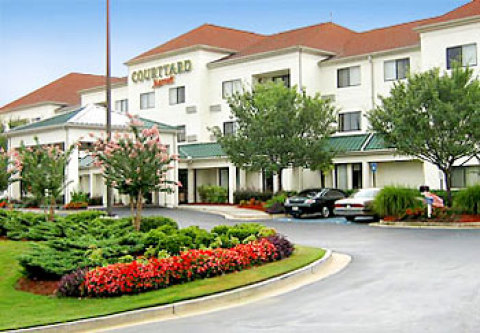 Courtyard Suwanee by Marriott