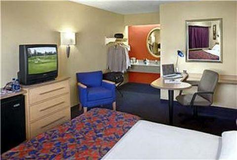 Syracuse Hotel Red Roof Inn Syracuse