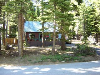 Charming Old Tahoe Cabin with all Modern Amenities - Vacation Rental in Tahoe City