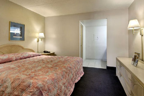 Super 8 Motel - Tampa