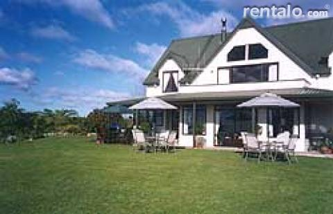 Tau Tau Lodge - Bed and Breakfast in Tauranga