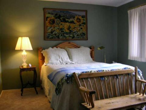 Sequoia River Dance B & B - Bed and Breakfast in Three Rivers