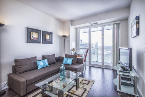 Mary-am Suites. 1 BD suite at 300 Front St West - Vacation Rental in Toronto