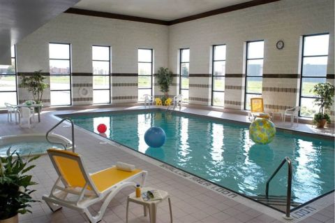 Large Indoor Pool - Toronto Hotels
