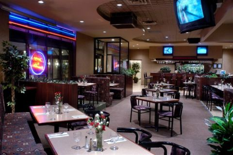 Licensed Restaurant - Toronto Hotels