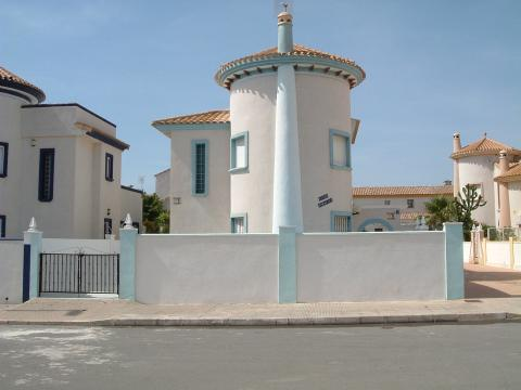 Detached 3-bed Villa with Private Pool - Vacation Rental in Torrevieja
