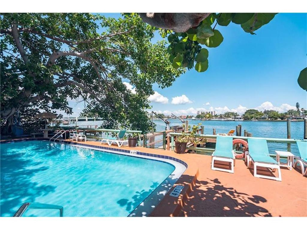 Whispers Boutique Vacation Condos - Africa Suite