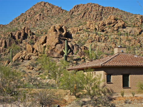 Private Sanctuary with Adobe Casita on 3+ Acres - Vacation Rental in Tucson