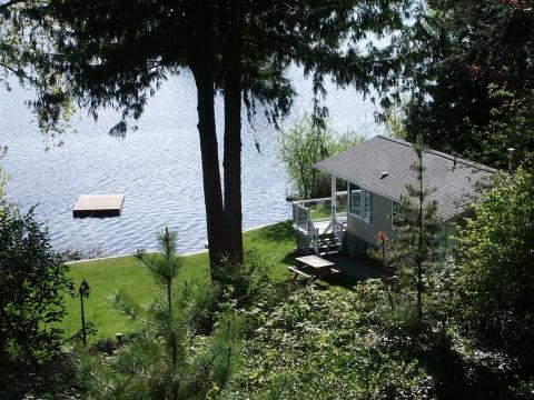 Lakeside Hyde Away - Vacation Rental in Victoria
