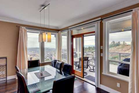 Breakfast nook with views on main level.