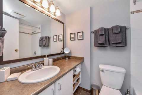 Main four piece bathroom