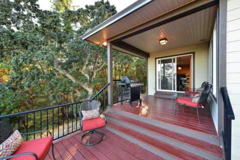 Executive 4 bedroom home with stunning ocean views - Vacation Rental in Victoria