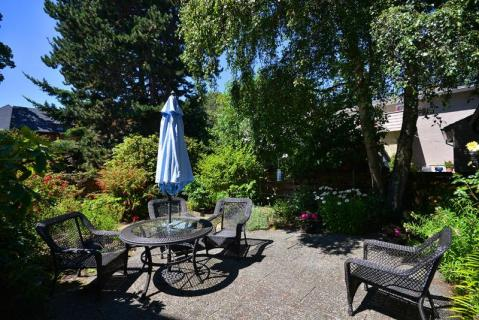 Victoria Rockland Area 1 Bedroom Suite Close Walk  - Vacation Rental in Victoria