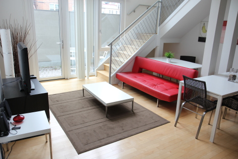 Contemporary Luxury Designed 2 Bedroom Loft