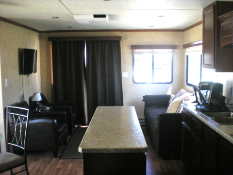 BRAND NEW Houseboat -Walk to DC Attractions