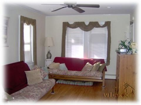 Steps from the Beach - Beautiful 2BR Condominium - Vacation Rental in Wildwood