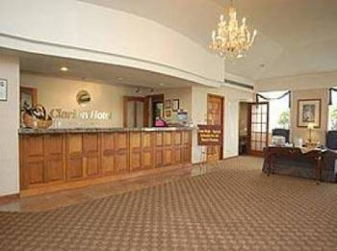 Clarion Hotel Buffalo Airport