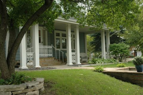 Grand Stay Cottages - Bed and Breakfast in Willmar